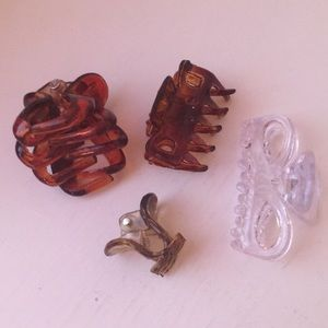 Accessories - Four different kinds of hair clips.